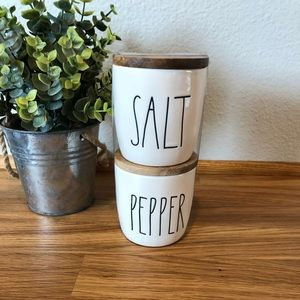 Rae Dunn SALT PEPPER cellars